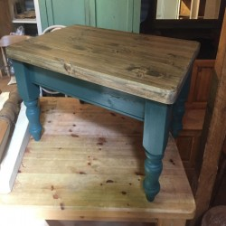 Classic Farmhouse Coffee Table